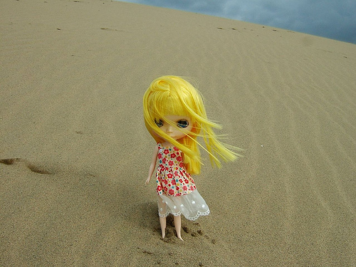 Blythe at the Tottori sand dunes in Japan - not Mars