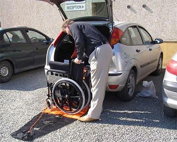 BackSaver, wheelchair lifter: ©Mangar International