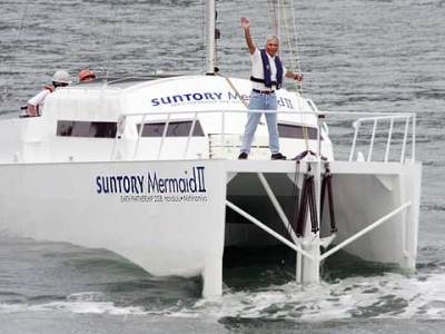 "Captain Kenichi Horie ""waves"" from the Mermaid II's bow"