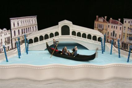 Bridge Wedding Cake - Replica of Rialto Bridge in Venice