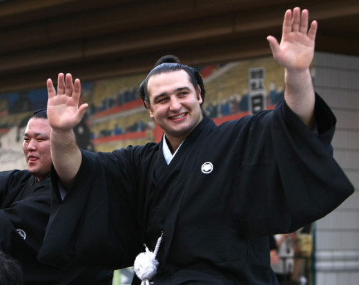 Kotooshu of Bulgaria, the first European sumo wrestler to win an Emperor&#039;s Cup
