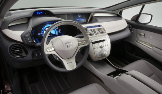 Interior space a-plenty - the fuel cell's between the seats