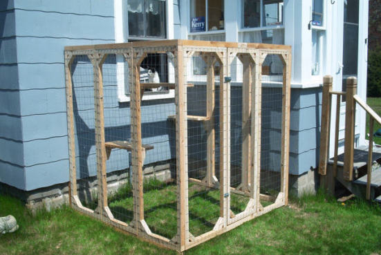 Safe Kitty Outdoor Catio: ©Safe Kitty - Outdoor Cat Enclosures: How To Go From Patio To Catio