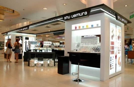 Singapore sez, &quot;Take me to the Lash Bar&quot;