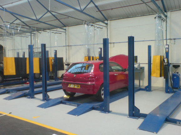 Pit start self service garage offers full auto shop to for Garage self auto