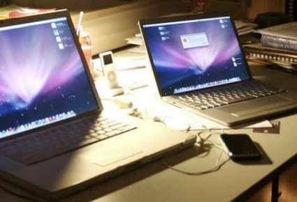 Possible leaked photos of the Apple sub-notebook (on the right)