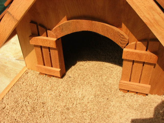 Custom Arched Entry with Doors for Pet Tree House: ©Pet Tree House, LLC