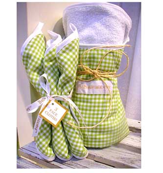 Cute Gingham Babywrapper Gift Set