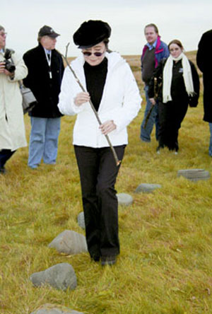 Yoko Ono dedicating Imagine Peace Tower in 2006