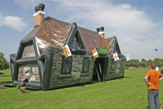 Father's Day Gift Idea - Instant Inflatable Pub for His Back Yard