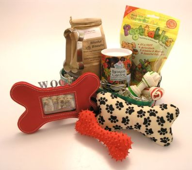 15 Great Holiday Pet Gift Baskets For Dogs, Cats, Horses, Birds ...